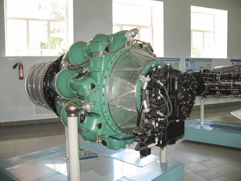 Museum van de geschiedenis van de bouw van de vliegtuigenmotor Vliegtuigenmotoren op tribunes Turbinemotoren en interne verbrandi stock afbeeldingen