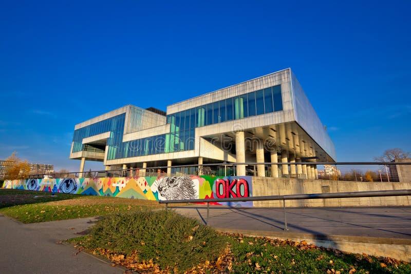 Museum van eigentijdse kunst in de buitenkant van Zagreb stock foto's