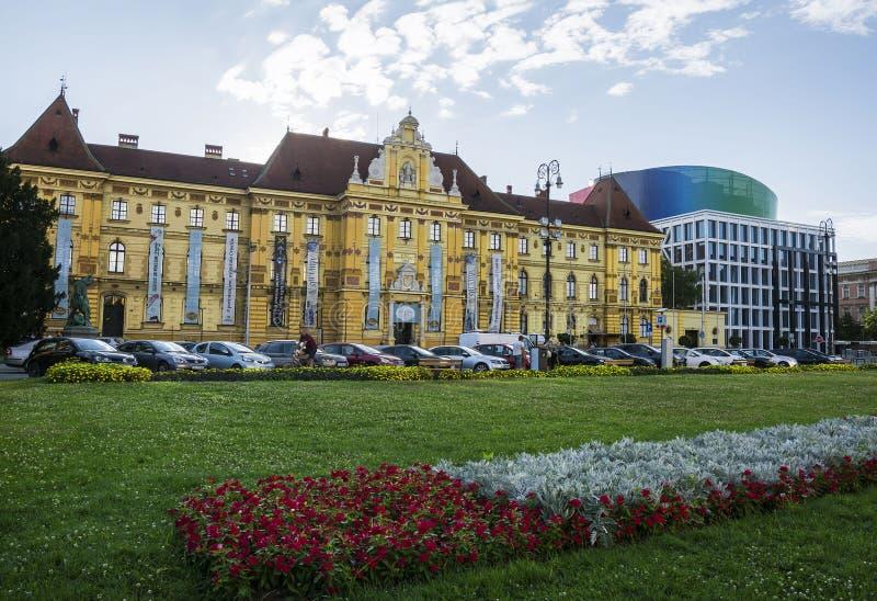 Museum van Kunsten en Ambachten en de Muziekacademie, Zagreb royalty-vrije stock foto