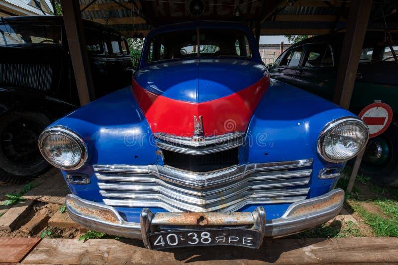 Museum van retro auto's: Gaz-M20 Pobeda stock afbeeldingen