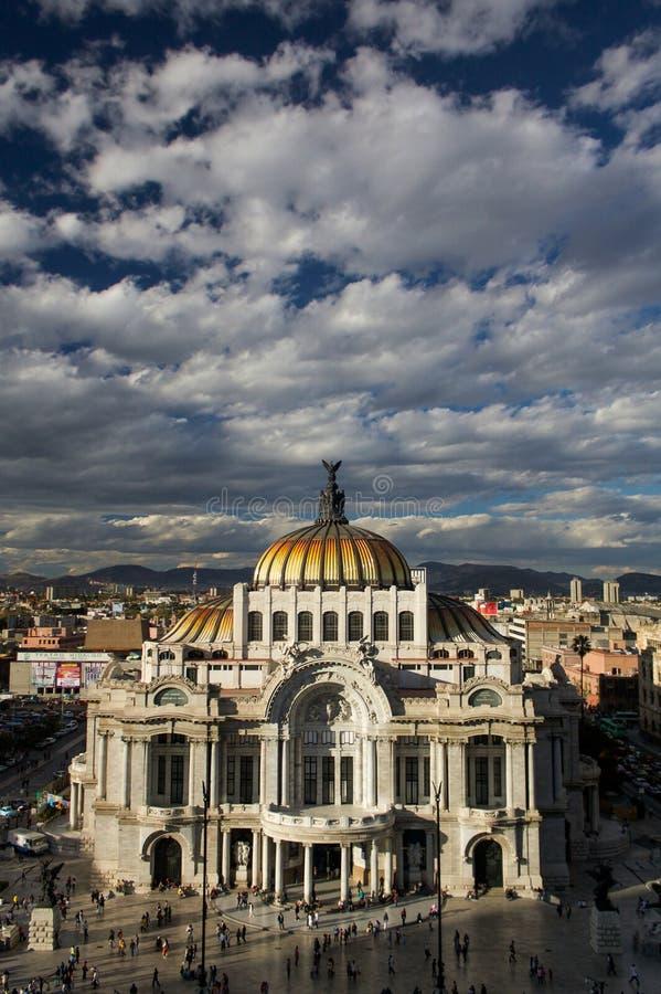 Museum von schönen Künsten in Mexiko City oder in Palacio Del Belles Artes stockfotos