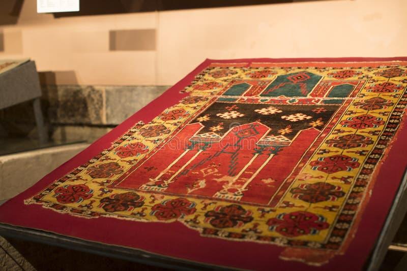 Museuminzameling van oude zeldzame tapijten van Istanboel royalty-vrije stock foto