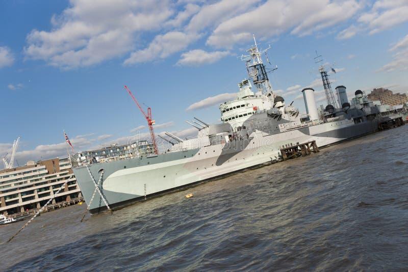 Museums-Schiff HMS Belfast des Kaiserkriegs-Museums festgemacht auf der Themse, London, Gro?britannien - 20. September 2013 lizenzfreie stockbilder