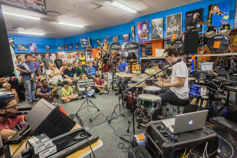Download Music Shop Drum Demo People Editorial Photo - Image: 32635476