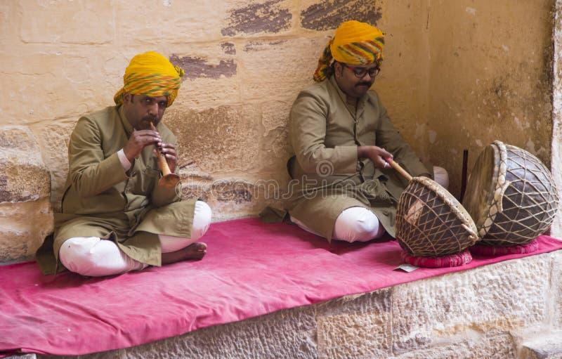 Musici bij het fort van Jodhpur stock foto