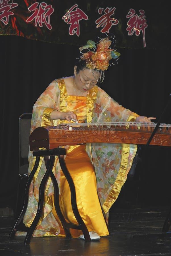 Musici en Dansers bij viering van Chinees Nieuwjaar in Blackburn Lancashire stock afbeelding