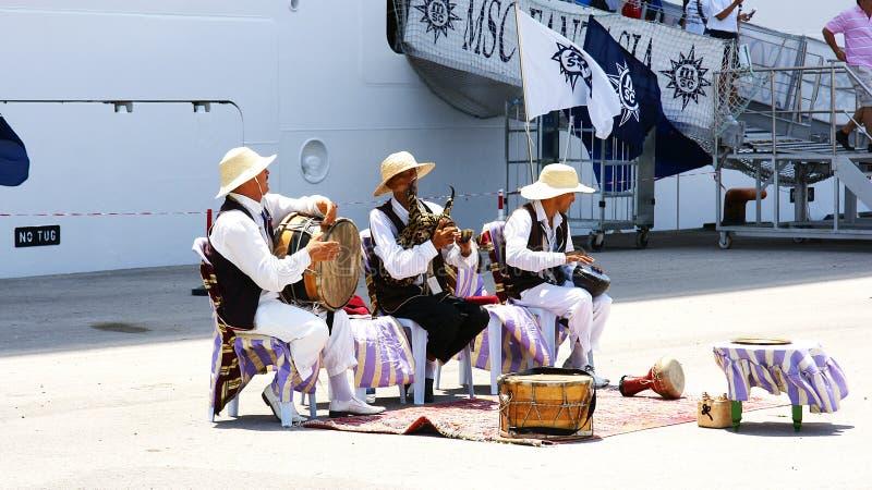 Musici voor toeristen in La Goulette, Tunesië, royalty-vrije stock foto