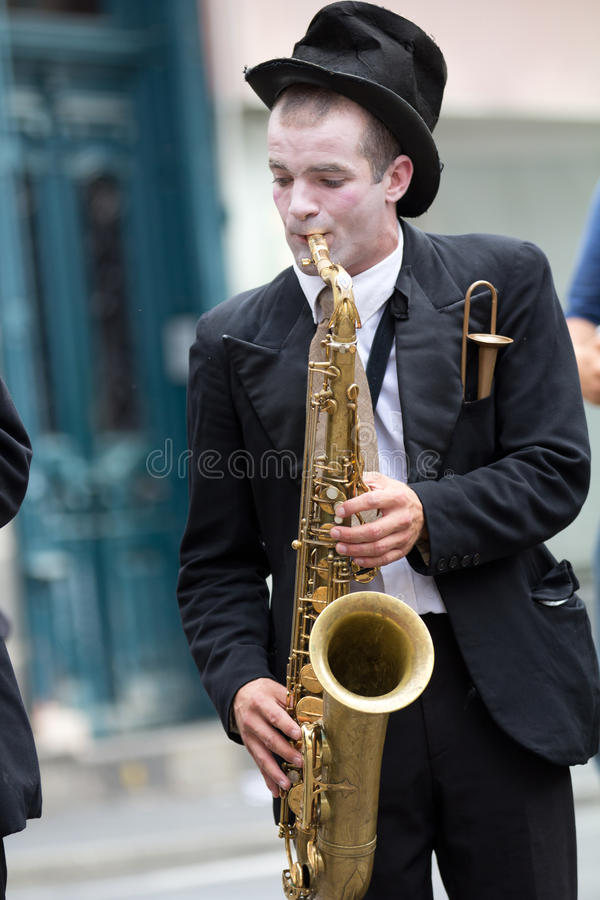 Free Musician Playing Alone Royalty Free Stock Image - 26634696