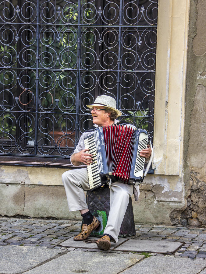 Musicien de rue photos stock