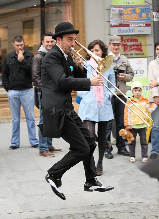 Musicien jouant le trombone images stock