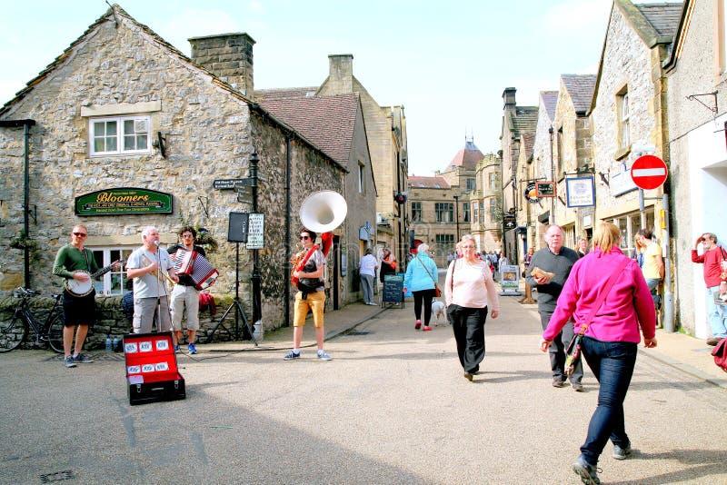 Musiciens de rue de rue chez Bakewell, Derbyshire photographie stock libre de droits