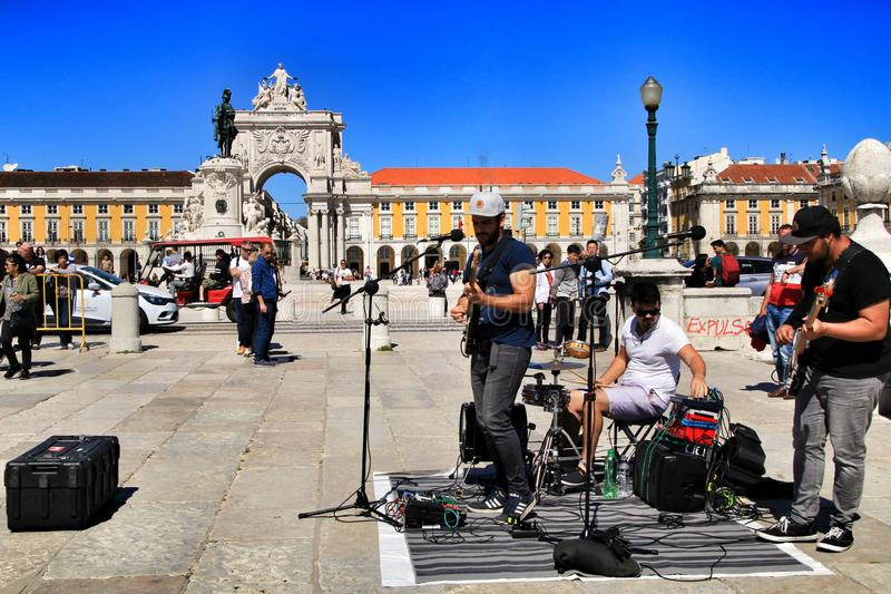 Musiciens jouant sur une place à Lisbonne photo libre de droits