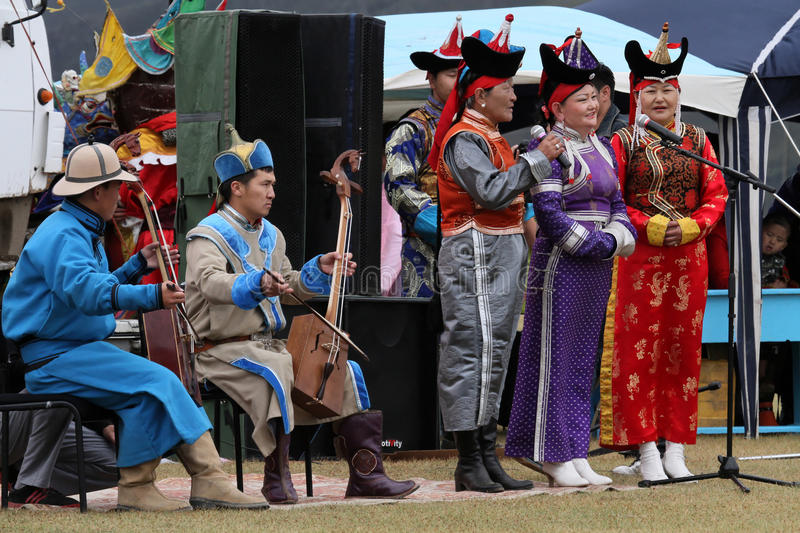Musiciens mongols traditionnels images stock