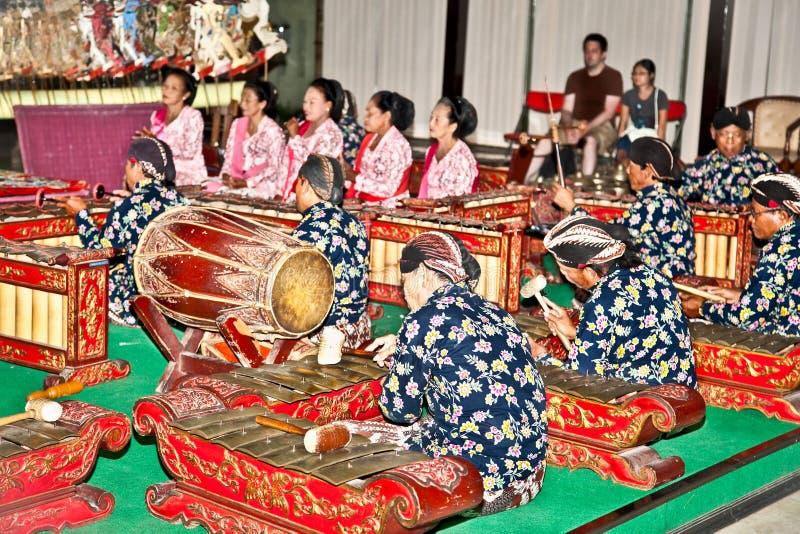 Musicista di Wayang Kulit a Yogyakarta su Java, Indonesia. immagini stock libere da diritti