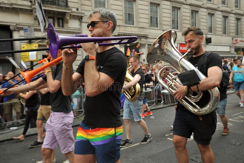 Musicisti al gay pride a Londra, Inghilterra 2019 immagine stock libera da diritti