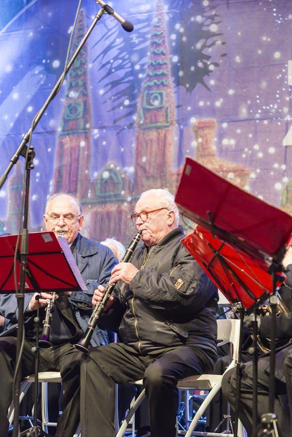 Musicisti che giocano per il Natale, Zagabria, Croazia fotografia stock libera da diritti