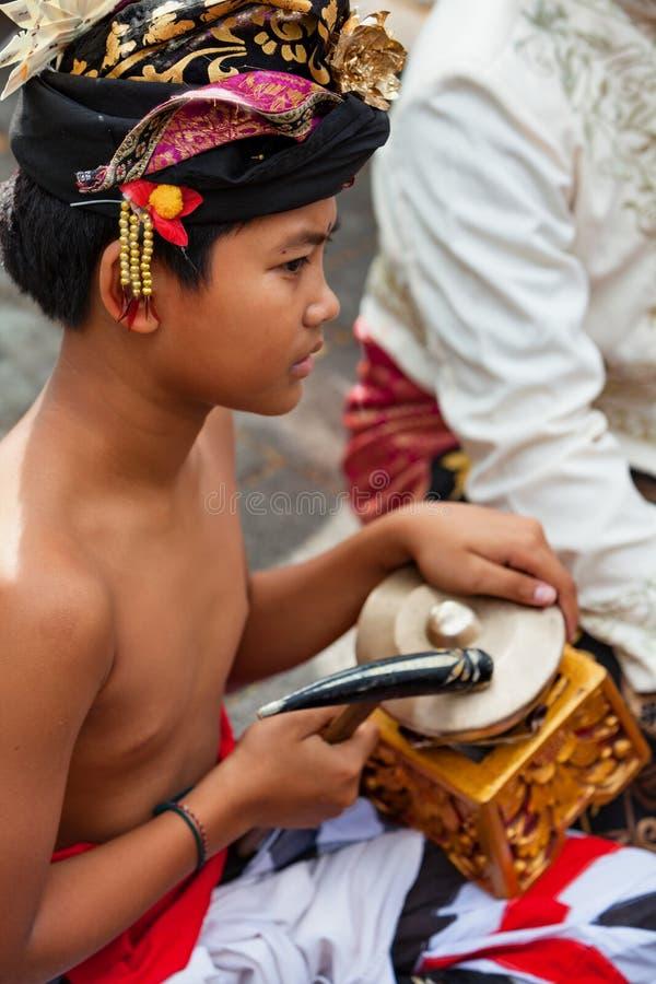 Musicusmens van traditioneel Balinees orkest Gamelan royalty-vrije stock afbeelding