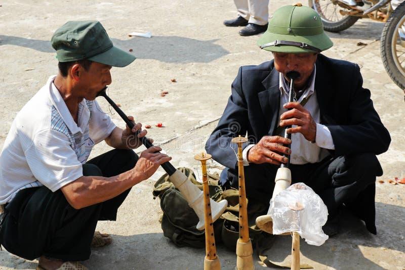 Musicusstraat in Bac Ha-markt royalty-vrije stock foto