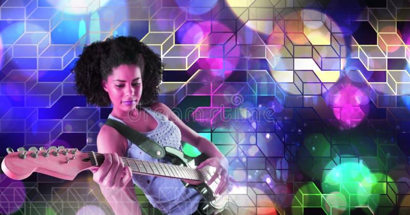 Musicusvrouw het spelen gitaar met geometrische het trefpuntatmosfeer van partijlichten royalty-vrije stock afbeelding