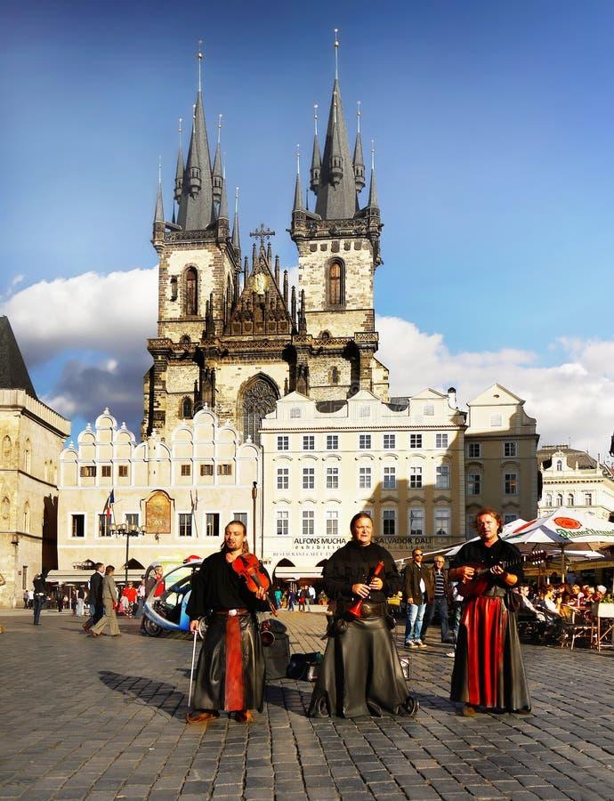 Musik för Prague fyrkantfolk royaltyfria foton