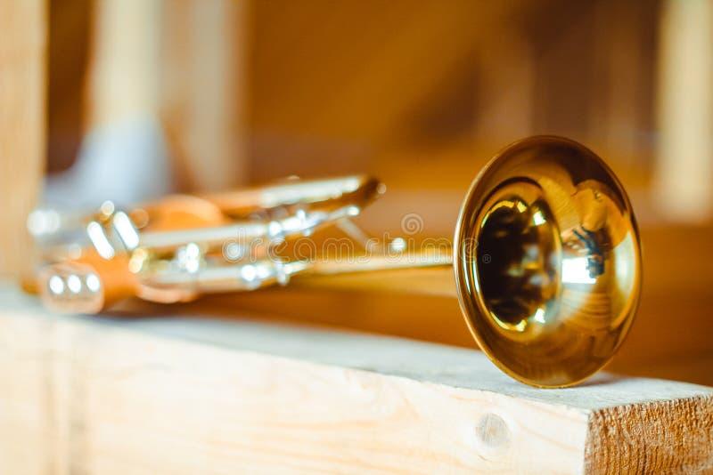 musikalisk trumpet för instrument royaltyfri bild