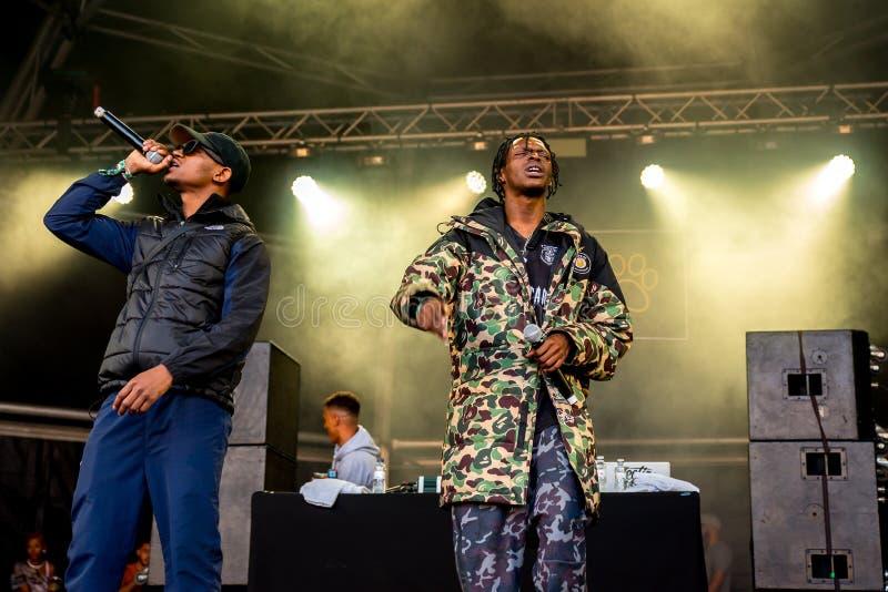 Musikbandet för avsnittBoyz rap utför i konsert på sonarfestivalen royaltyfri fotografi