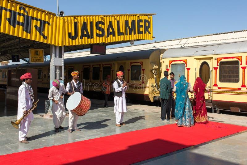 Musiker, die traditionelle rajasthani Musik spielen stockfoto