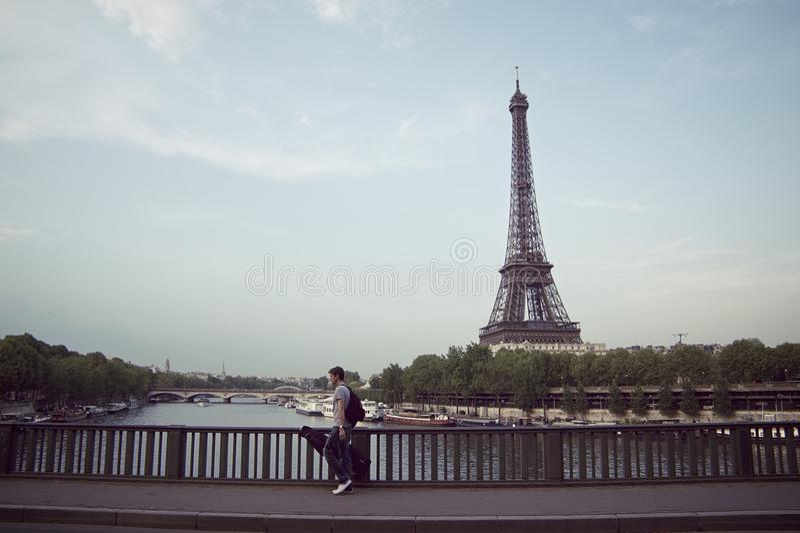 Musiker från paris royaltyfri bild