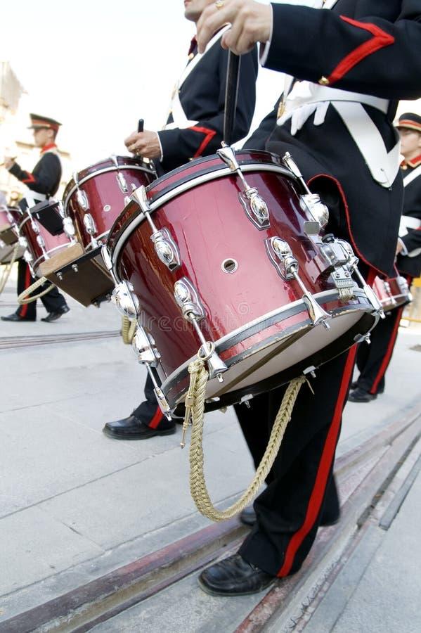 Musiker und Trommel lizenzfreie stockfotografie