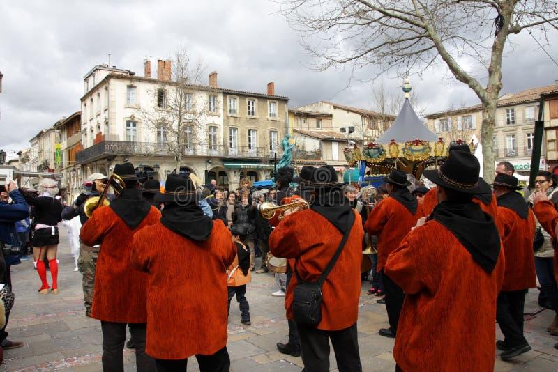 Musikermusikband under karneval av Limoux arkivbild