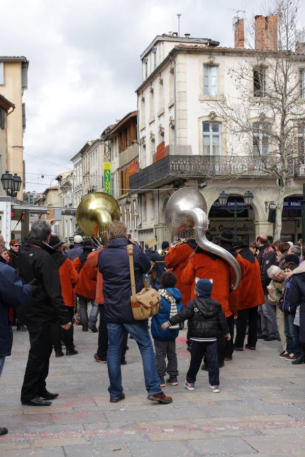 Musikermusikband under karneval av Limoux royaltyfri fotografi
