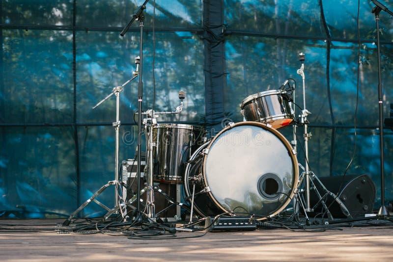 Musikhupe stellte 3 ein Unterhaltung und Konzerte im Freien lizenzfreie stockbilder