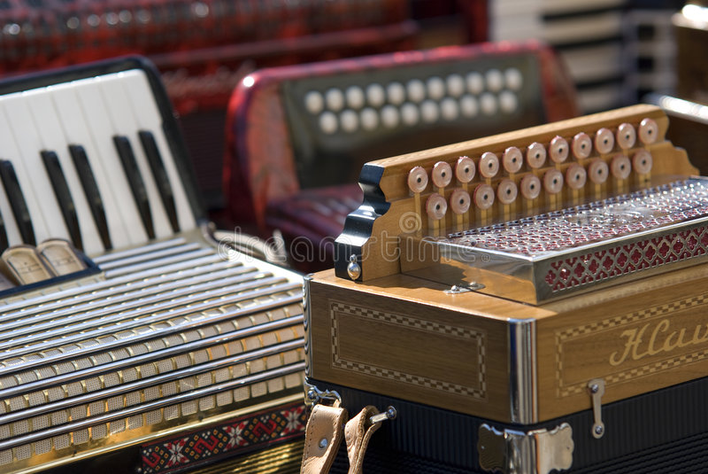 Musikinstrumente des Akkordeons lizenzfreies stockbild