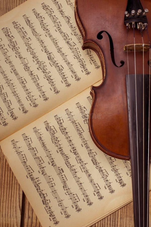 Musikinstrumentvioline stockbild