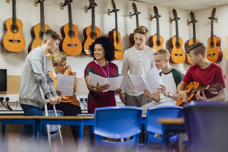 Musikkurs på skolan arkivfoto