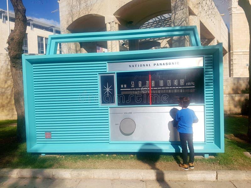 Musikradio in der Stadt stockbild