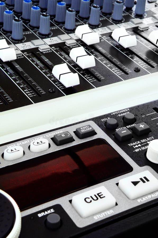 musique de mélange de console images stock