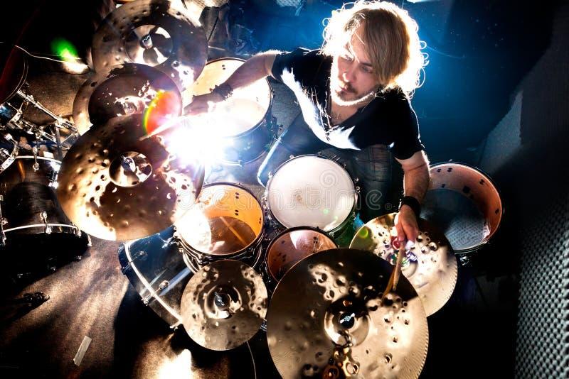 Musique en direct et batteur Est un vrai contenu de musique d'âme image stock