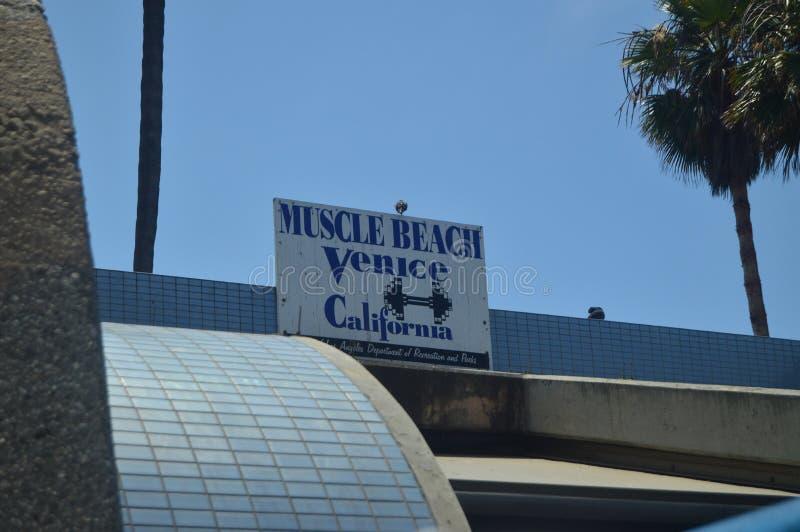 Muskel-Strand in Santa Monica Here Arnold Schwarzenegger bildete aus 4. Juli 2017 Reise-Architektur-Feiertage lizenzfreie stockbilder