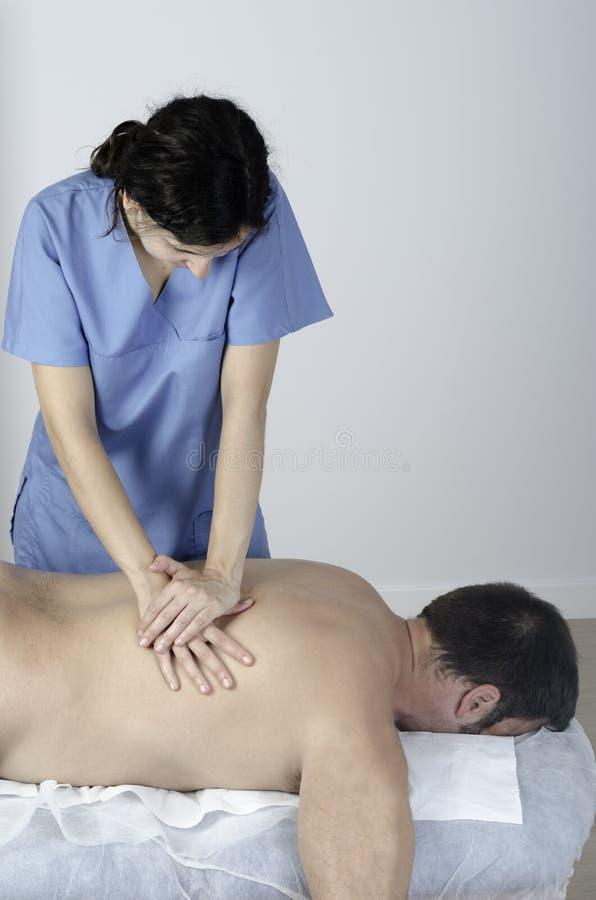 Muskelausdehnen des Rückenwirbels lizenzfreies stockbild