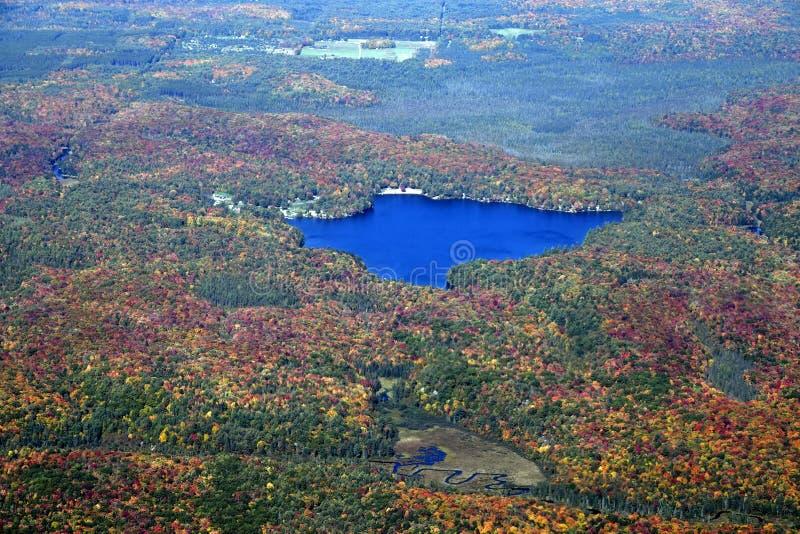 Muskoka-Herbstlandschaft, von der Luft stockfotos