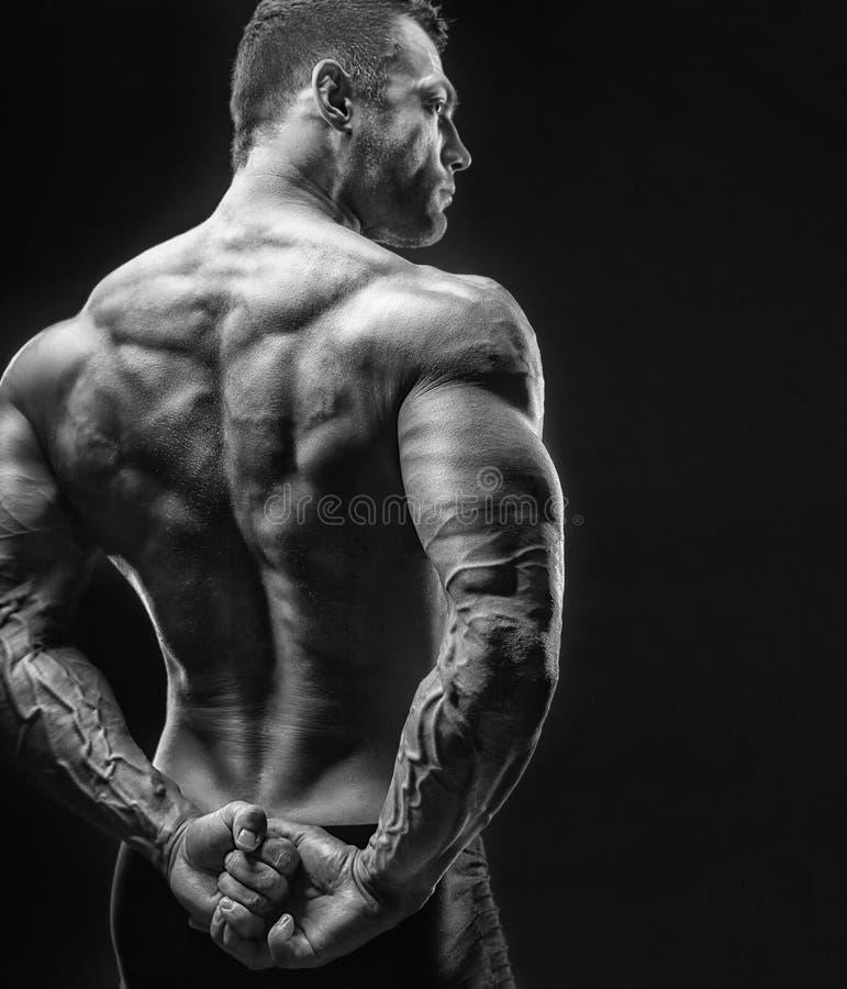 Muskulös man royaltyfria bilder