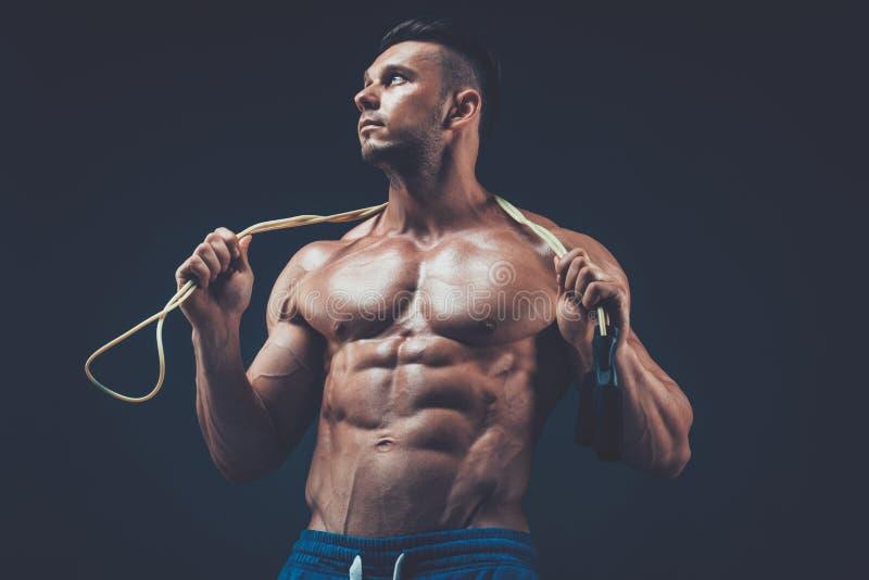 Muskulöst manöverhopprep aktiv sportkondition fotografering för bildbyråer