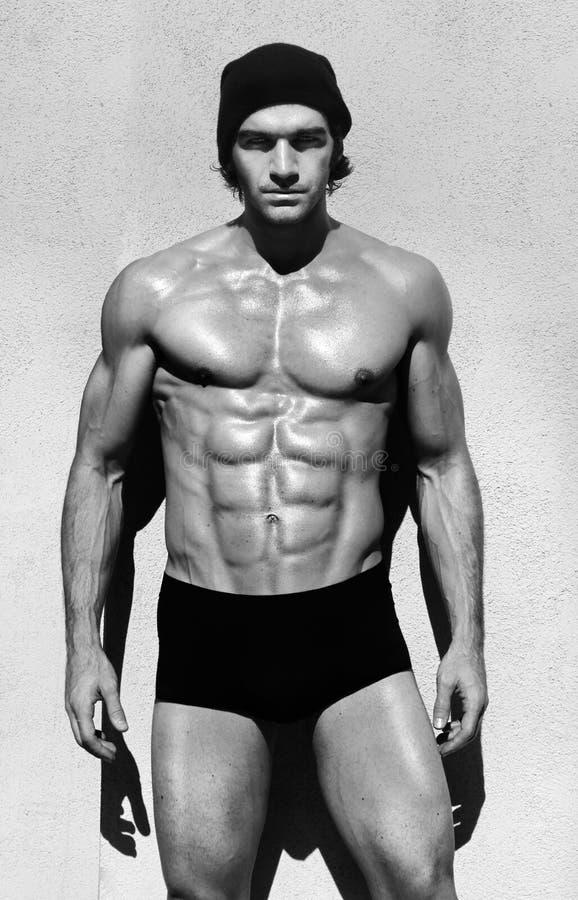 muskulöst shirtless för man royaltyfria foton