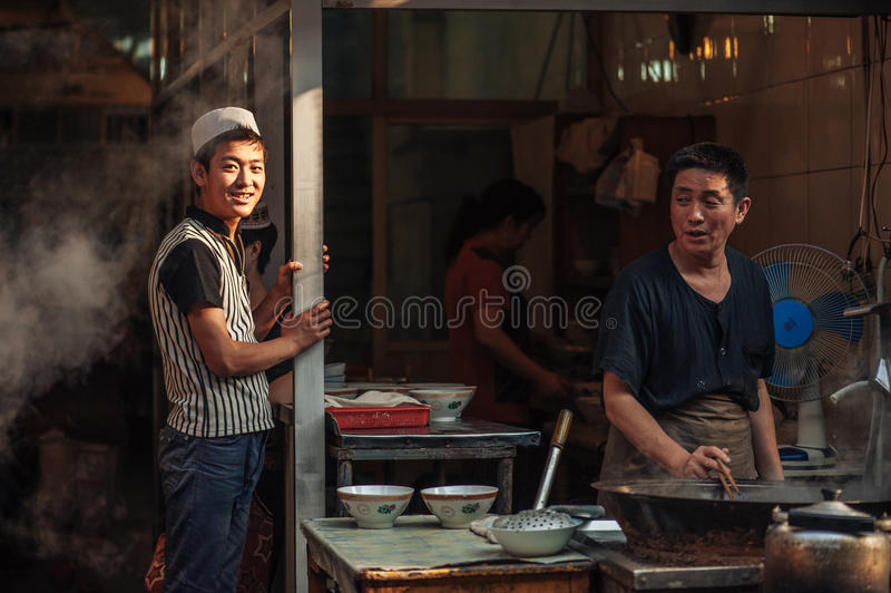 Muslimsk gata i Xian, Kina royaltyfria foton