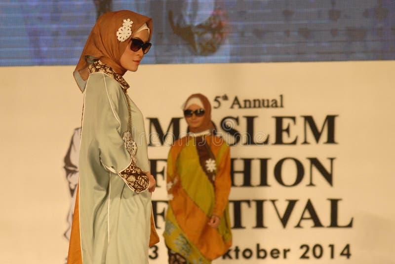 Muslimsk modefestival 2014 arkivfoton