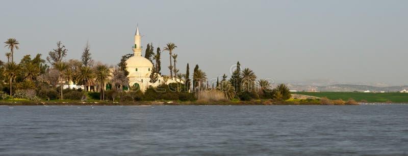 Muslimsk moské av den Hala sultan Tekke i Larnaca, Cypern arkivfoto