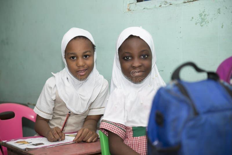 Muslimska grundl?ggande skolbarn fr?n Ghana, V?stafrika royaltyfria foton