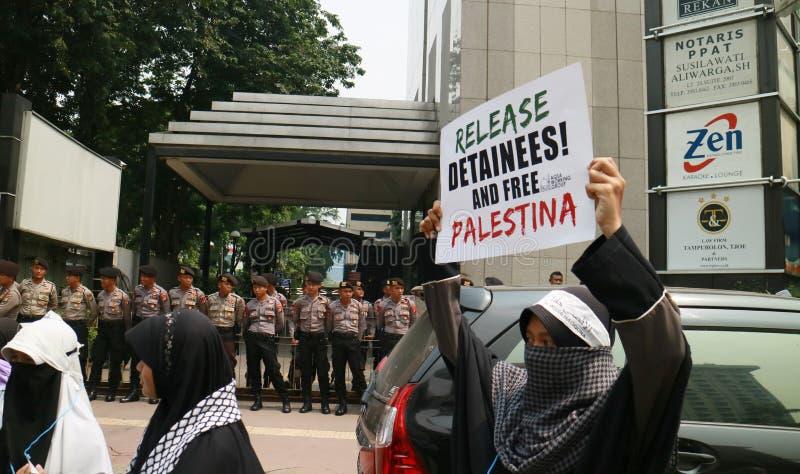 Muslimska personer som protesterar royaltyfri foto