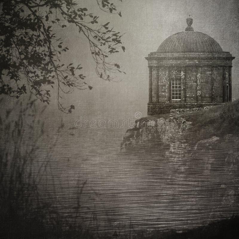 Mussenden-Tempel auf einem Klippe ` s Rand stockbilder